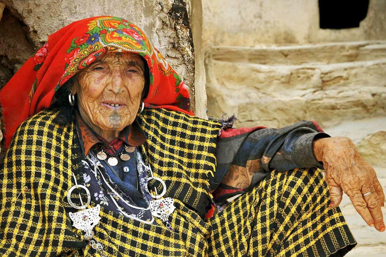 Chenini Tataouine Berber woman